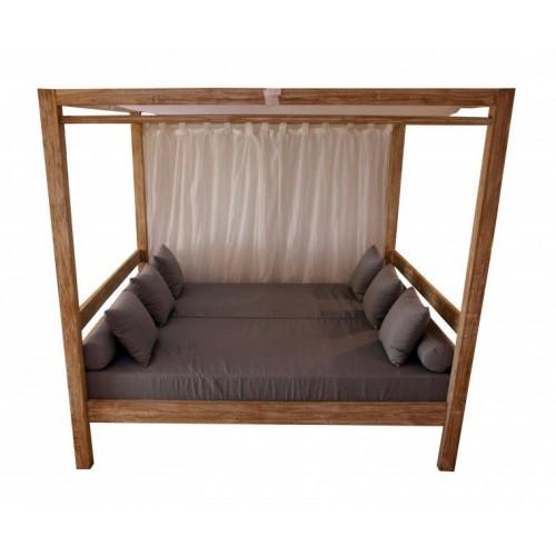 Outdoor teak bed